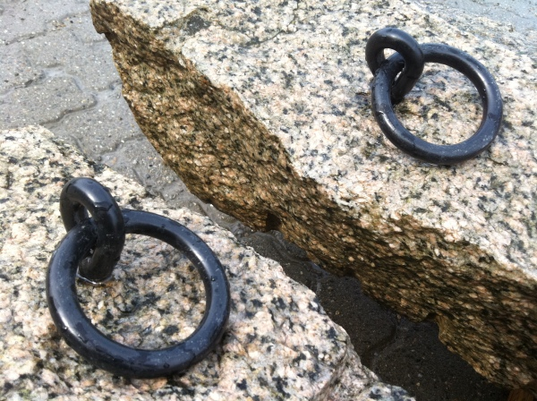 Salmon Color Granite with Iron Ring